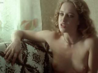 Eleonora Giorgi nuda nel film Disposta a tutto