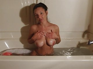Christina tanlines in the tub