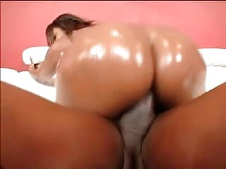 Bootylicious ebony chick gets fucked