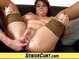 Fatty elder cunt spreading with housewife Eva