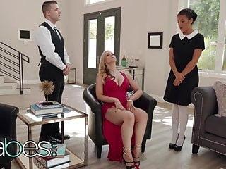 Baronesa Pervertida Follando Los Sirvientes - Sarah Vandella