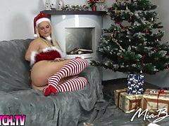 mia bitch - der weihnachtsstripPorn Videos