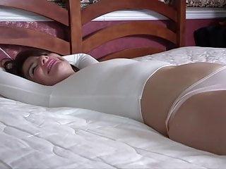 Pissing video: The Bulge Becca