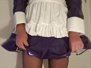Sissy Maid wet her Diaper