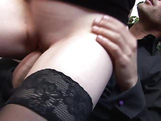 Elegant babe takes it up her ass while plays with her pussy