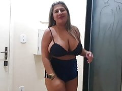 Hot Youtuber Kamila Silva - Nipslip on lingerie