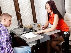 TUTOR4K. Man left girlfriend alone because there was instruc