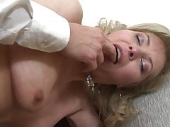 Nice home sex with lovely mature mothers