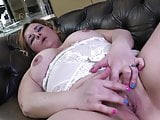 Mature aunty with broken leg and thirsty ass and pussy