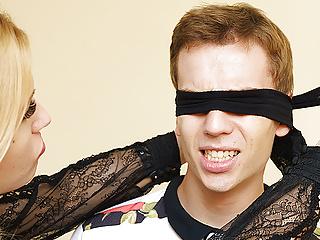 Mom teaches blindfolded stepson anal fetish...