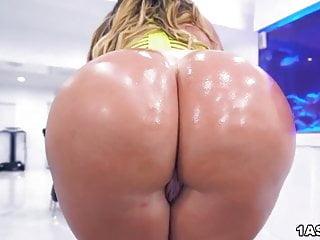 Bigest ass porn